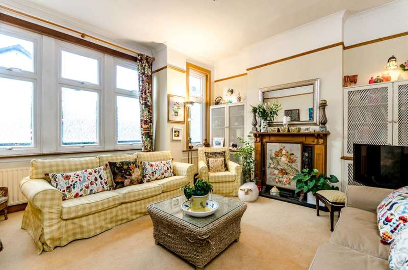 2 Bedrooms Flat for sale in Acacia Grove, New Malden, KT3