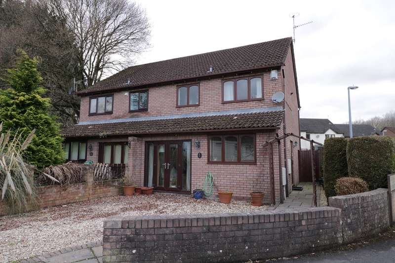 3 Bedrooms Semi Detached House for sale in The Stepping Stones, Penperlleni, Pontypool, NP4