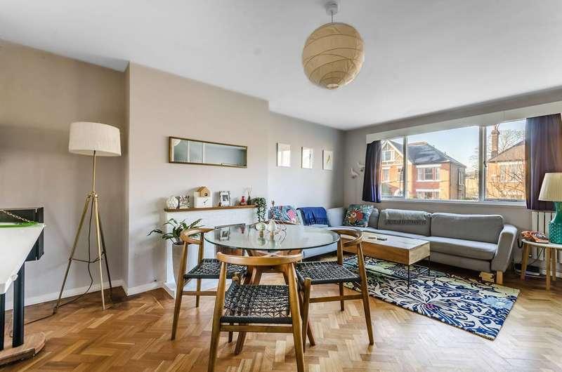 2 Bedrooms Flat for sale in Burbage Road, Herne Hill, SE24