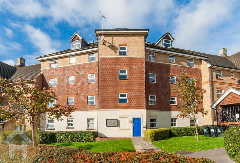 3 Bedrooms Flat for sale in Marbeck Close, Redhouse, Swindon
