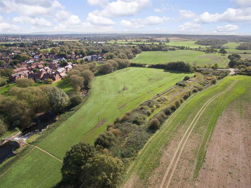Land Commercial for sale in High Street, Broom