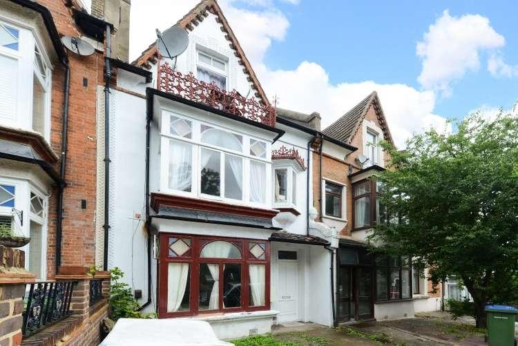 5 Bedrooms Terraced House for sale in Wellington Gardens Charlton SE7