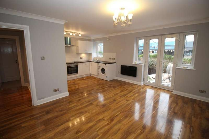 2 Bedrooms Apartment Flat for sale in Winnipeg Quay, Salford Quays, Salford, M50