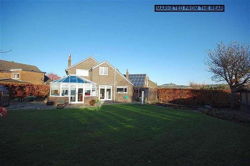 4 Bedrooms Detached House for sale in Marten Grove, Netherton, Huddersfield, HD4