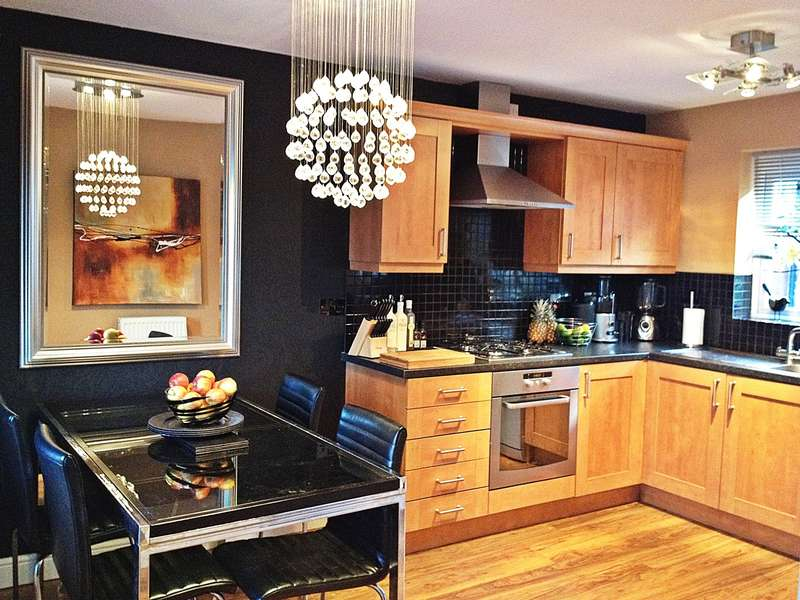 4 Bedrooms Town House for rent in Queens Gate, Consett
