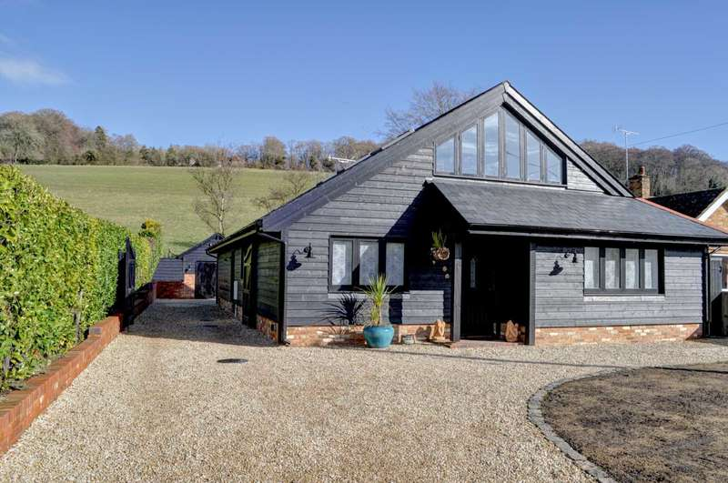 4 Bedrooms Detached House for sale in North Dean