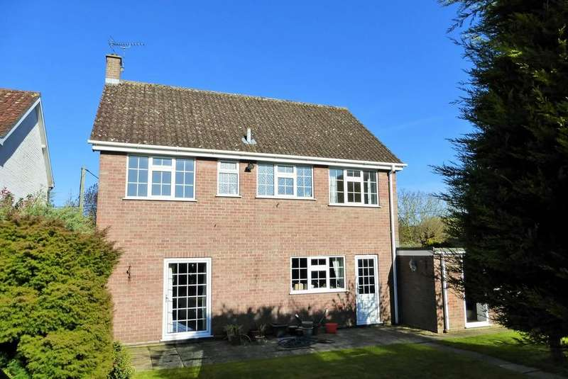 4 Bedrooms Detached House for rent in Hevingham