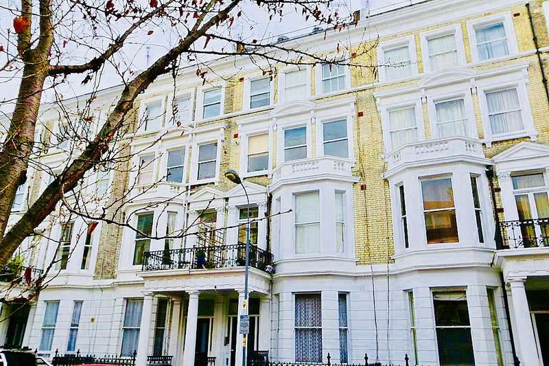 2 Bedrooms Flat for sale in Castletown Road, West Kensington, Fulham, London, W14