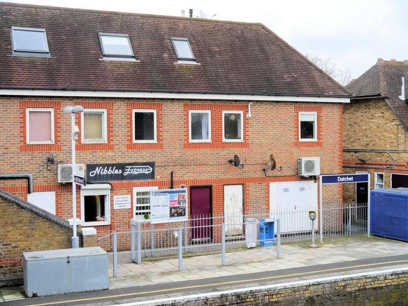 1 Bedroom Flat for sale in Thames House, Manor House Lane, Datchet SL3