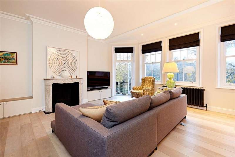 3 Bedrooms Flat for sale in Norfolk Mansions, Prince of Wales Drive, London, SW11
