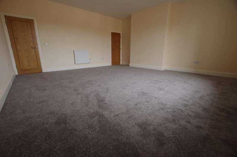 2 Bedrooms Apartment Flat for rent in Flat 2, Dryden Street, Bingley, West Yorkshire, BD16 2LU