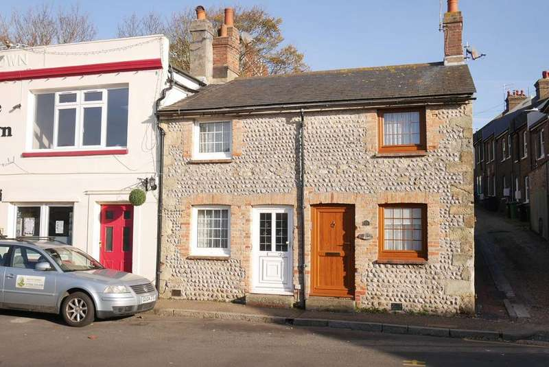 2 Bedrooms Terraced House for sale in Crown Street, Old Town, Eastbourne, BN21
