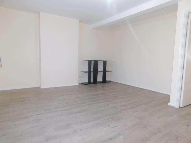 3 Bedrooms Flat for sale in Church Lane, Kingsbury
