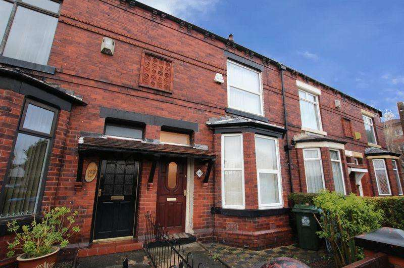 3 Bedrooms Terraced House for sale in Rochdale Road, Middleton, Manchester M24 2PR