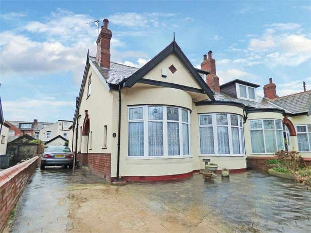 3 Bedrooms Semi Detached Bungalow for sale in Carlin Gate, Blackpool, Lancashire