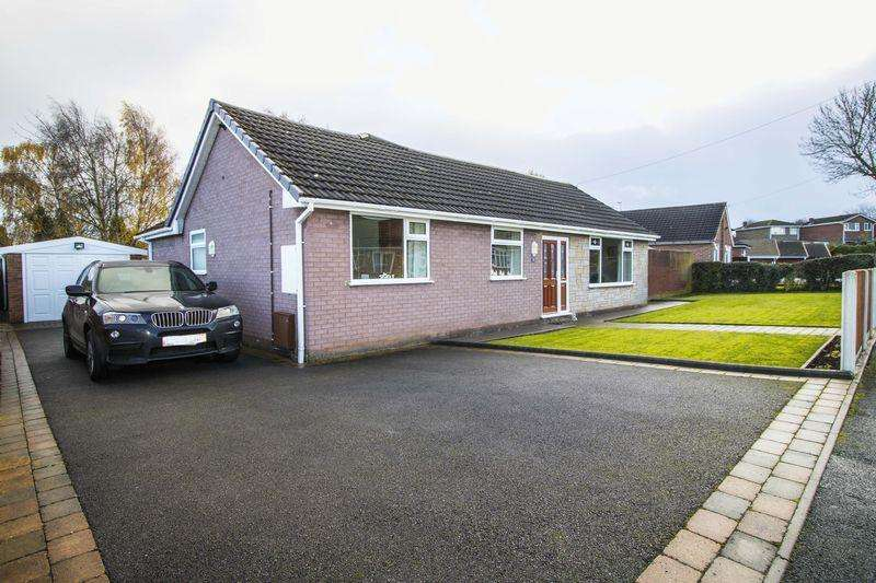 3 Bedrooms Detached Bungalow for sale in Pear Tree Lane, Brownhills, Walsall.