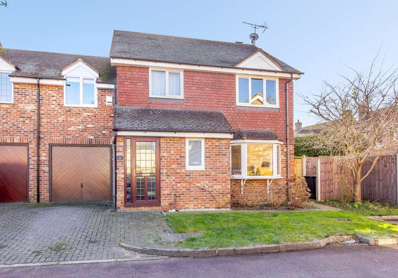 4 Bedrooms Semi Detached House for sale in Byfleet