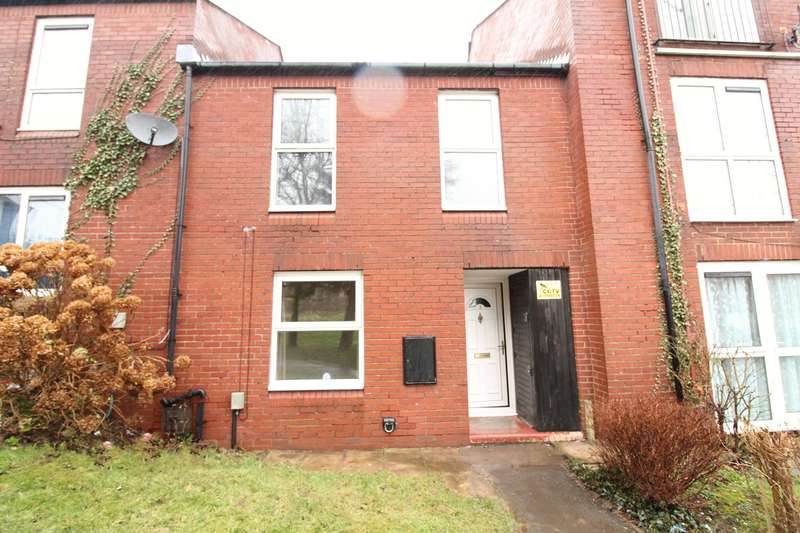 3 Bedrooms Terraced House for sale in Evesham Court, Newport, NP20