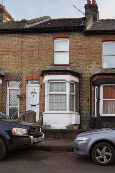 2 Bedrooms Terraced House for sale in Coopers Road, Gravesend, Kent, DA11