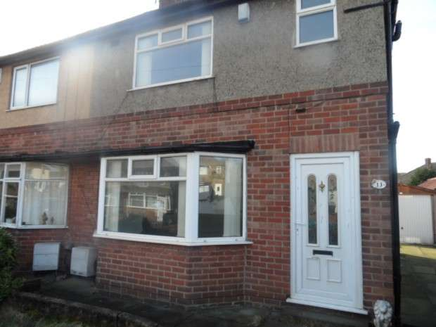 3 Bedrooms Semi Detached House for rent in St. Wilfrids Crescent, Bradford, BD7