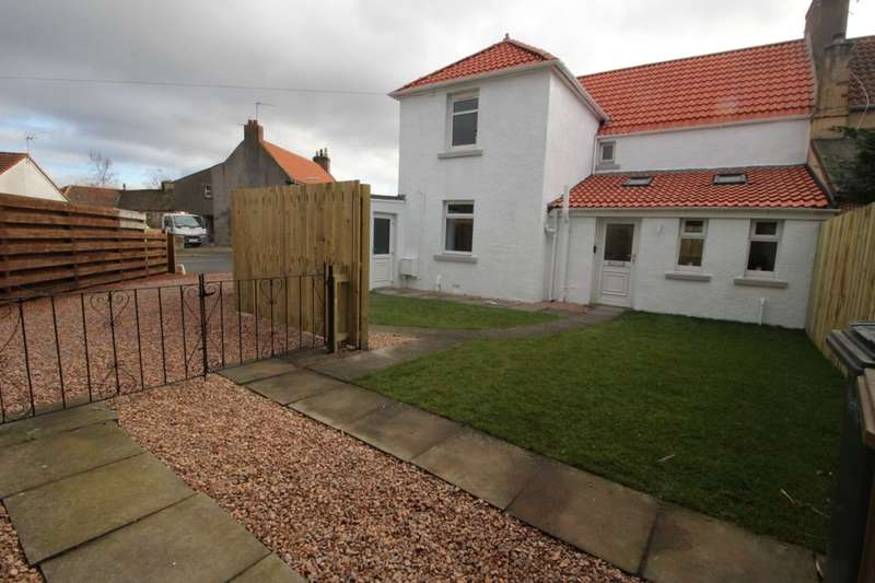 4 Bedrooms Semi Detached House for sale in Station Road, Kingskettle, Cupar, KY15
