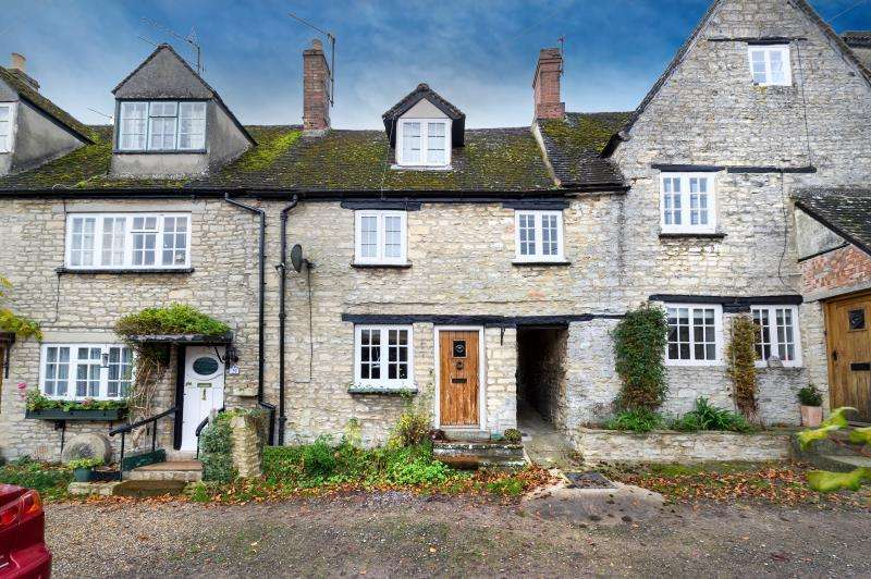 3 Bedrooms Terraced House for sale in Manor Road, Woodstock, Oxon