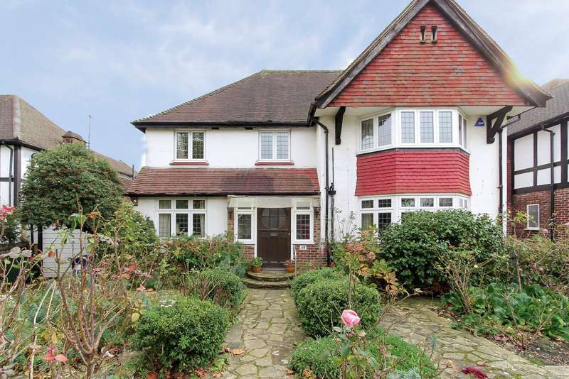 7 Bedrooms Detached House for sale in Penshurst Gardens, Edgware, HA8