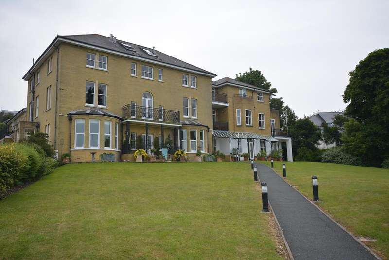 2 Bedrooms Ground Flat for rent in Queens Road, Cowes