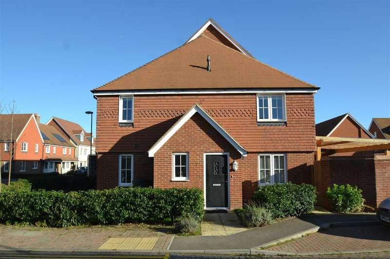 3 Bedrooms Terraced House for sale in Railfield Gardens, Horley