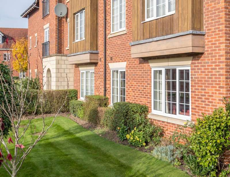 2 Bedrooms Apartment Flat for sale in Chesterton Way, Wychwood Village CW2 5NZ