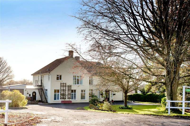 6 Bedrooms Detached House for sale in Chetcombe Road, Mere, Wiltshire, BA12
