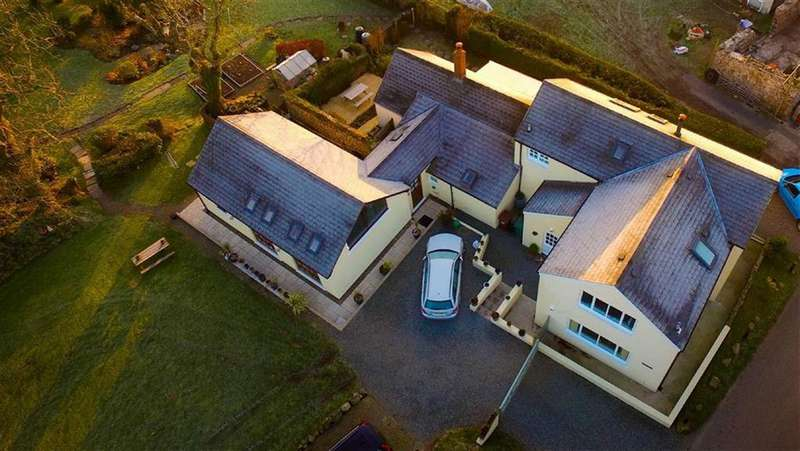 5 Bedrooms Detached House for sale in Talbenny, Haverfordwest