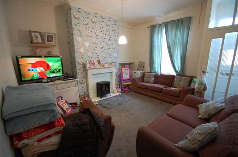 2 Bedrooms Terraced House for sale in Kings Road, Mill Hill, Blackburn
