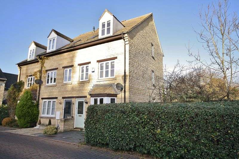 3 Bedrooms Property for sale in Grangers Place, Witney