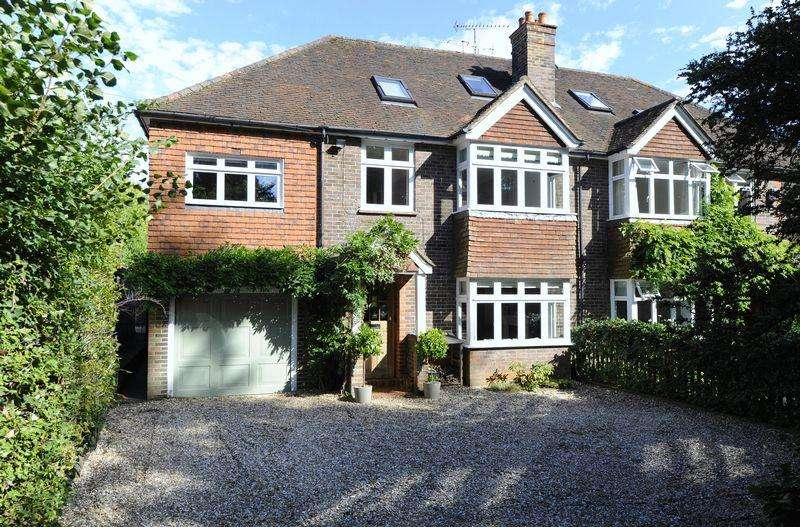 5 Bedrooms House for rent in Tuesley Lane, Godalming