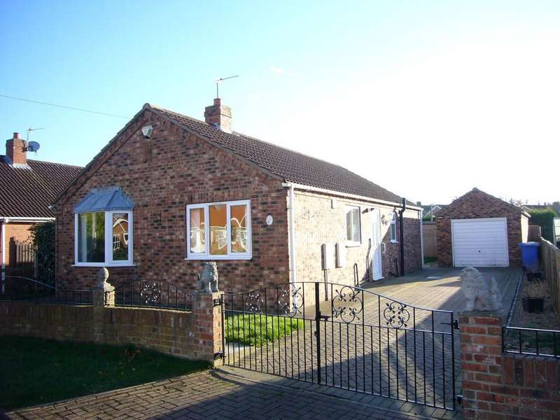3 Bedrooms Detached Bungalow for sale in Springfield Way, Goole, DN14 5LD