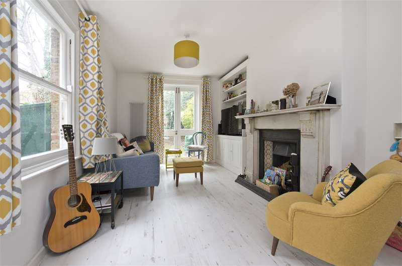 2 Bedrooms Maisonette Flat for sale in Boscombe Road, Shepherd's Bush