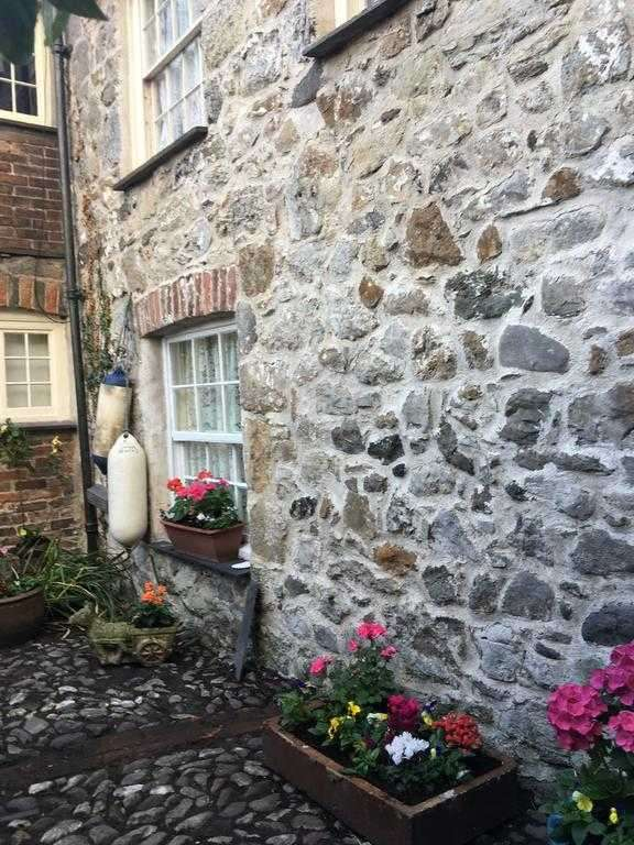 1 Bedroom Mews House for rent in Bwthyn Heddwch, Rating Row, Beaumaris