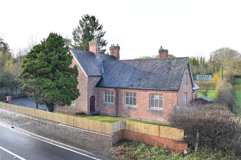 5 Bedrooms Detached House for sale in Pool Quay, Welshpool, Powys