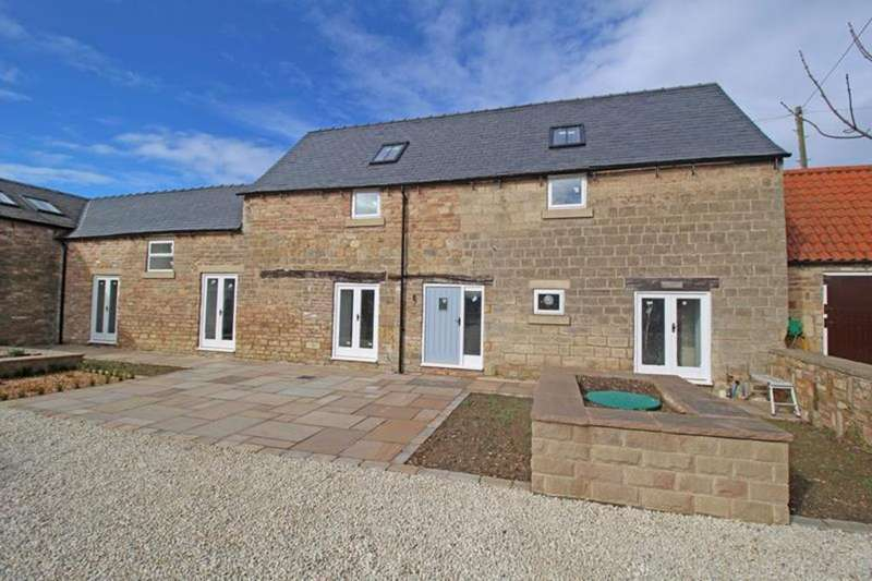 3 Bedrooms Barn Conversion Character Property for sale in 4 Birks Farm, Hodthorpe
