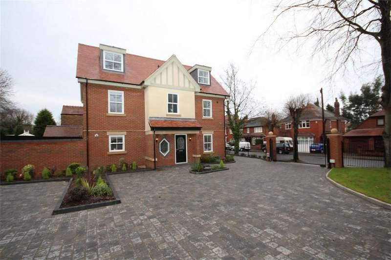 5 Bedrooms Detached House for sale in Earls Road, NUNEATON, Warwickshire