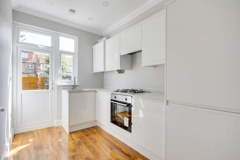 3 Bedrooms Terraced House for sale in Albion Road, Tottenham, London, UK, N17 9DB