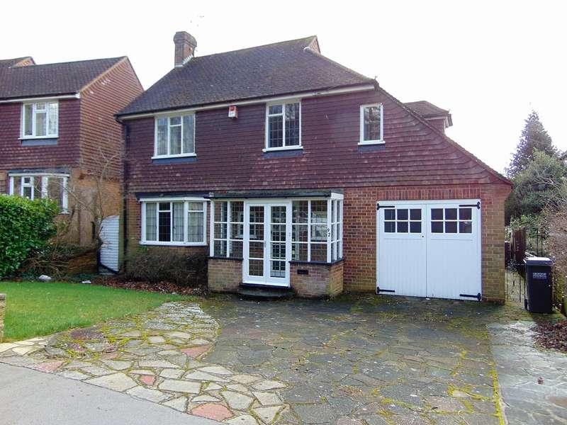 3 Bedrooms Detached House for sale in Ballards Way, South Croydon, Surrey, CR2 7LA