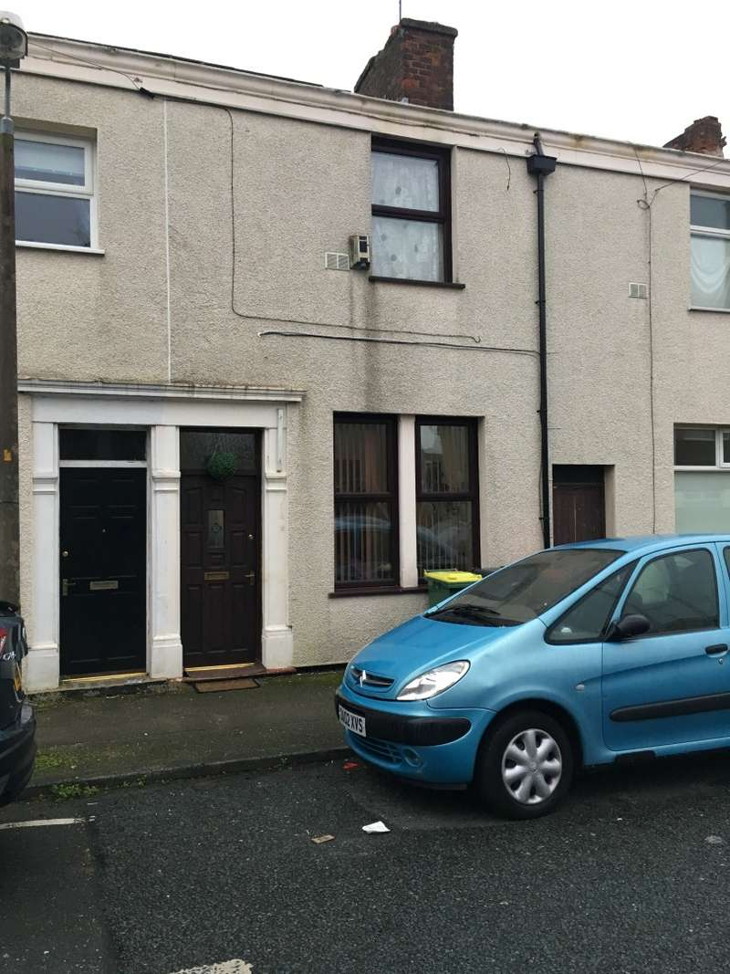 2 Bedrooms Terraced House for sale in Carr Street, Frenchwood, Lancashire, PR1 4HR