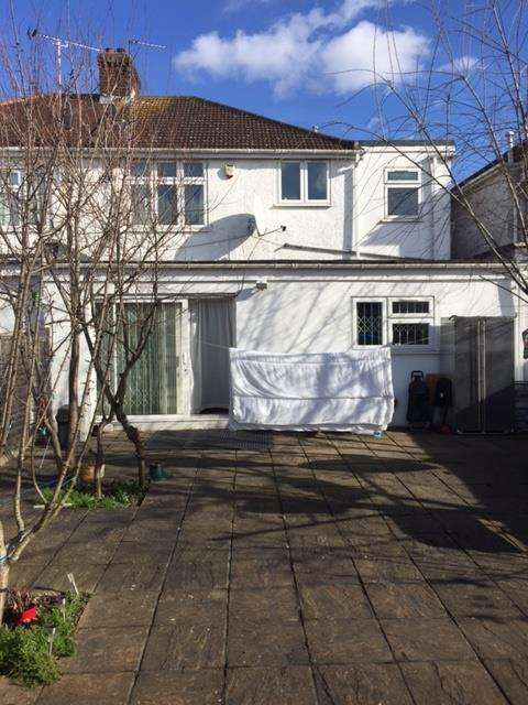 4 Bedrooms House for sale in Berkeley Road, Kingsbury