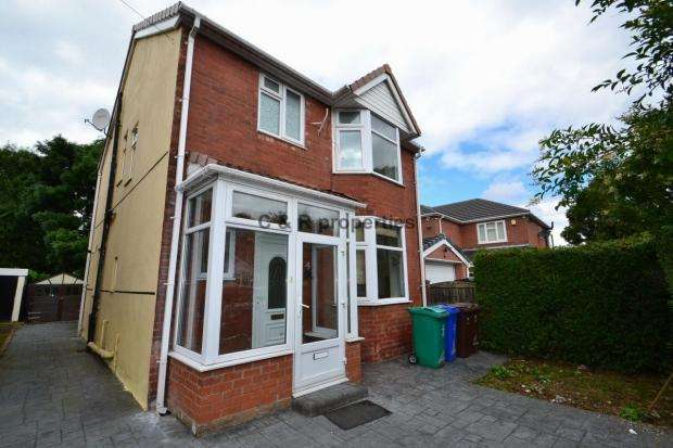 4 Bedrooms Detached House for rent in Handforth Grove M13 0Uh Manchester