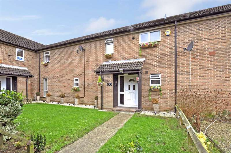 4 Bedrooms Terraced House for sale in Trenchard Crescent, Springfield