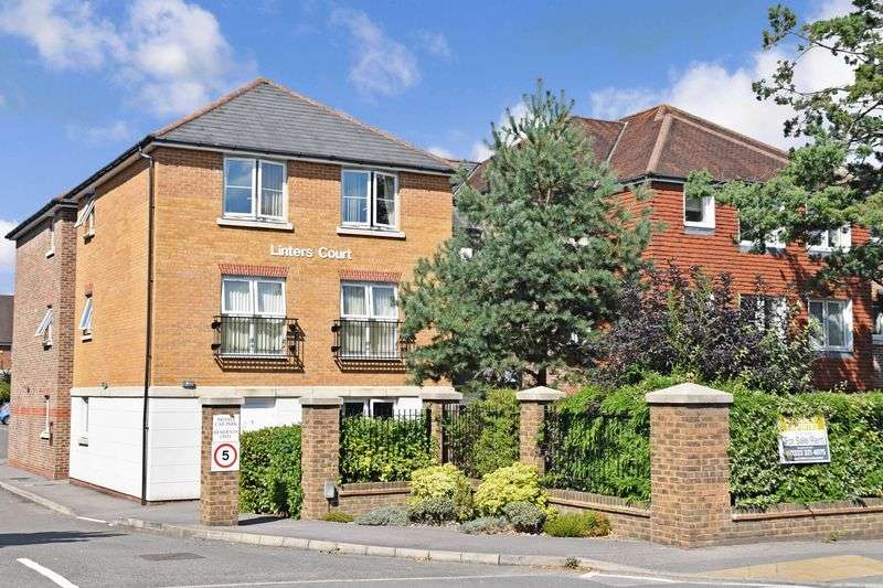 1 Bedroom Property for sale in Linters Court, Redhill, RH1 2JN