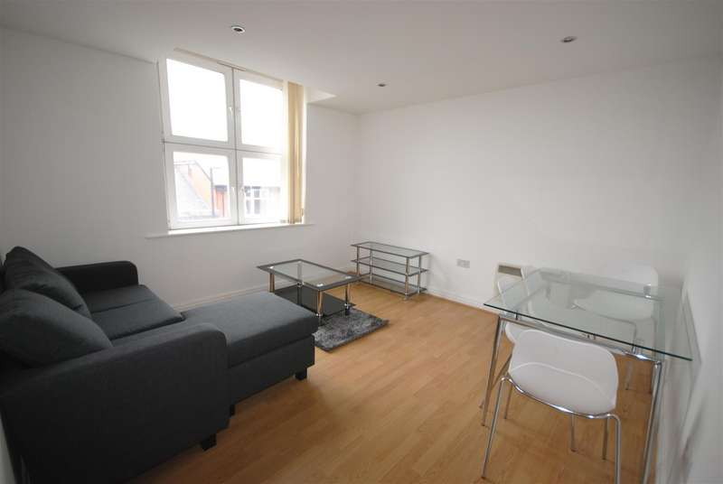4 Bedrooms Apartment Flat for sale in Gerard Court Warrington Road, Ashton-In-Makerfield, Wigan