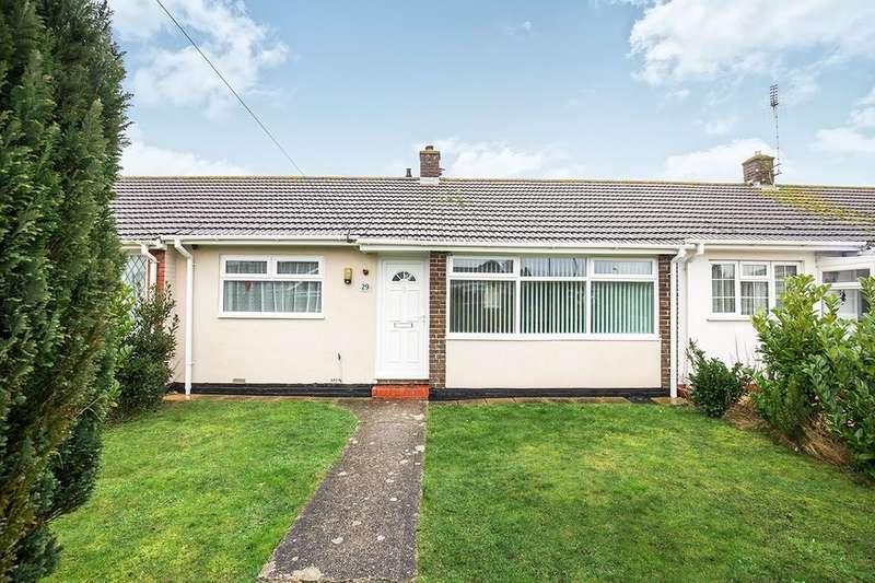 2 Bedrooms Bungalow for sale in Winston Crescent, Bognor Regis, PO21